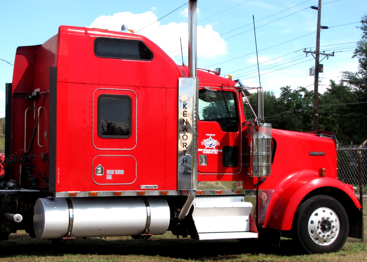 red giant truck - photo #44