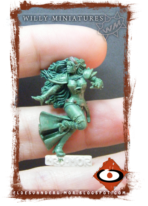 Miniature of blood bowl witch elf made by RU-MOR for WILLY Miniatures. Star Player, witch elf, fantasy football