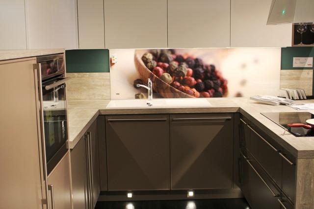 Ruang Dapur Simpel & Modern