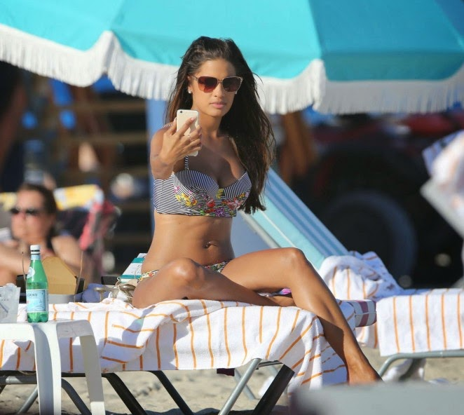 Rocsi Diaz – Wearing Bikini on Miami Beach