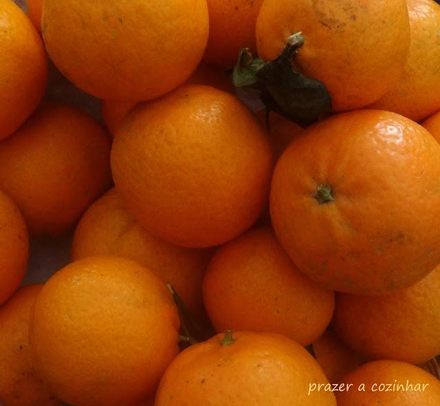 prazer a cozinhar - bolo de laranja com cobertura crocante de granola