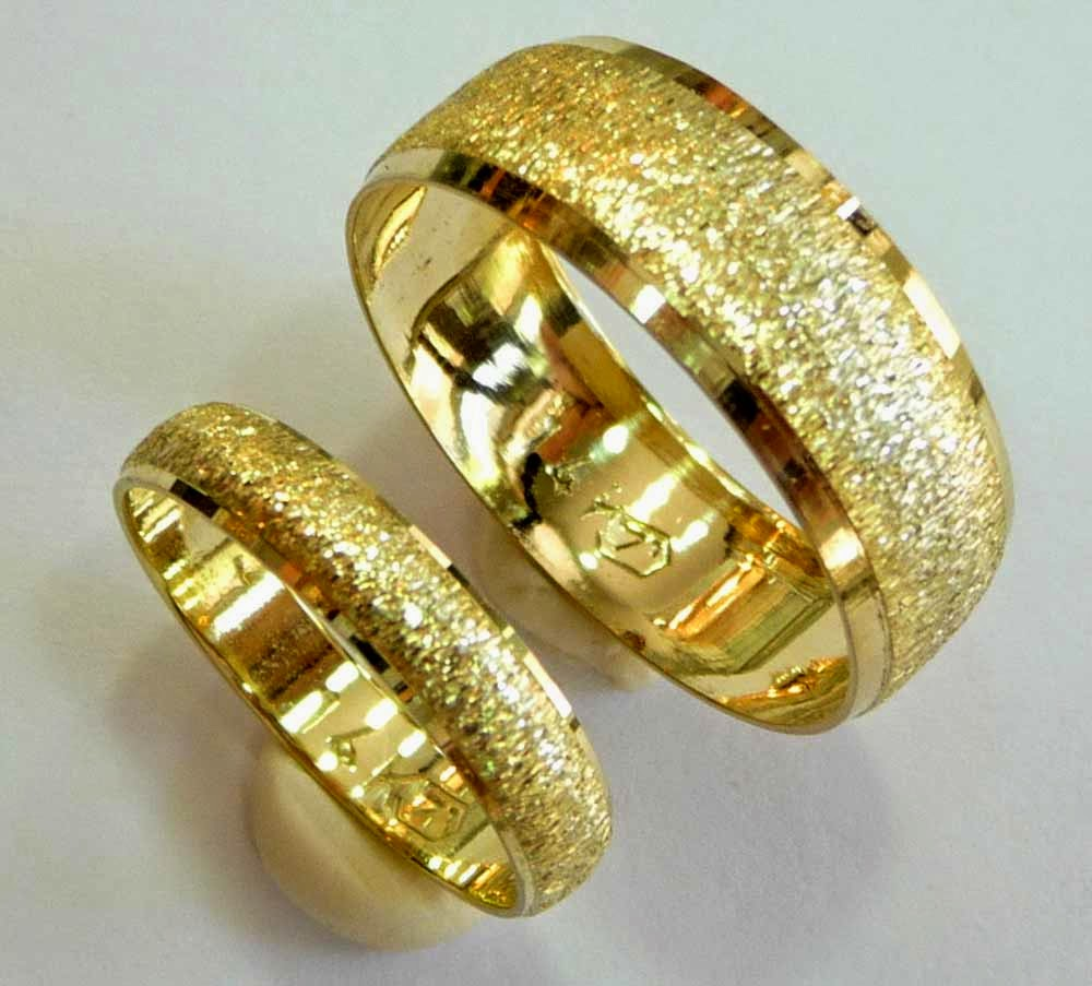Unusual Yellow Gold Wedding Ring Sets NYC Images