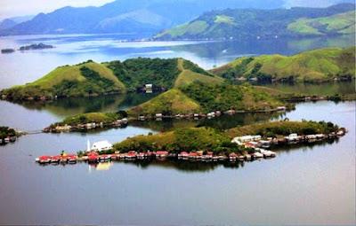Gambar Pemandangan Alam Indonesia Danau Sentani (Papua)