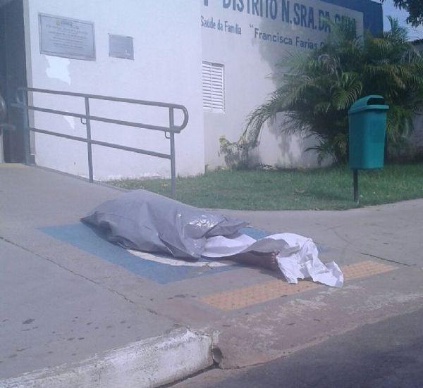 Sem atendimento, idoso morre em frente à PSF em MT