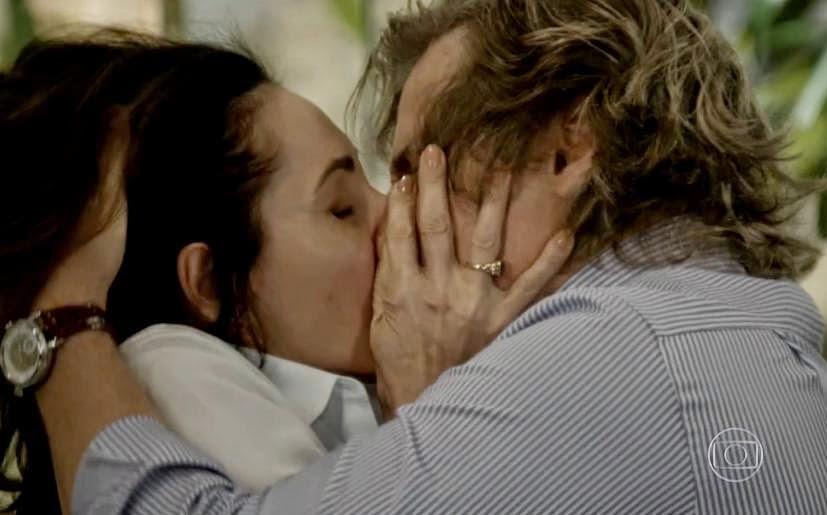 http://globotv.globo.com/rede-globo/fantastico/v/casal-se-reencontra-em-asilo-apos-65-anos-separados/3737922/