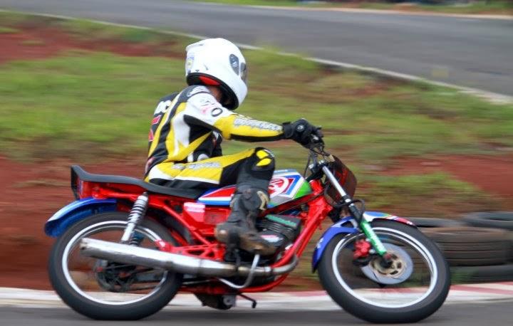 Foto Modifikasi Motor Yamaha Rx-king Terbaru