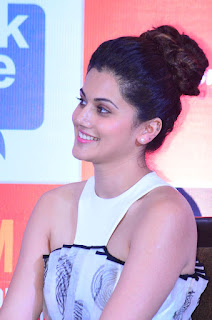 Taapsee Pannu loogs gorgeous at SIIMA Awards 2015 Spicy Pics