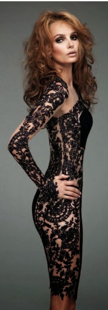 Amazing bşacl lace dress - I love it
