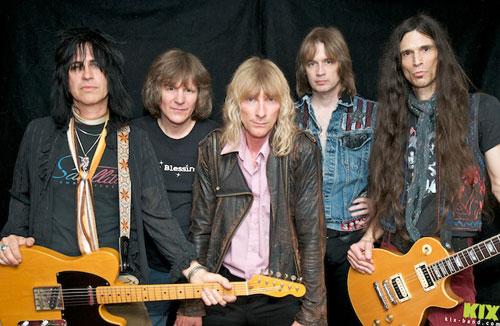 Die amerikanische Hard Rock / Heavy Metal Band THE SHOOZE wurde im Dezembr 1977 in Frederick, Maryland von Ronnie Younkins (guitar), Brian Forsythe (guitar) ...