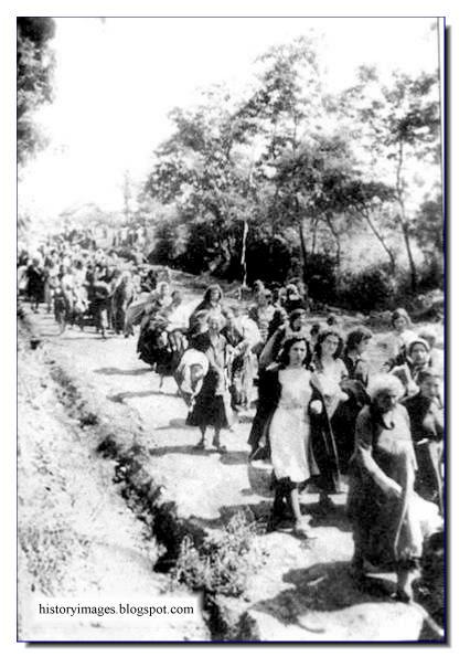 Jews Babi Yar Kiev September 1941 Einsatzgruppen Nazi exterminators