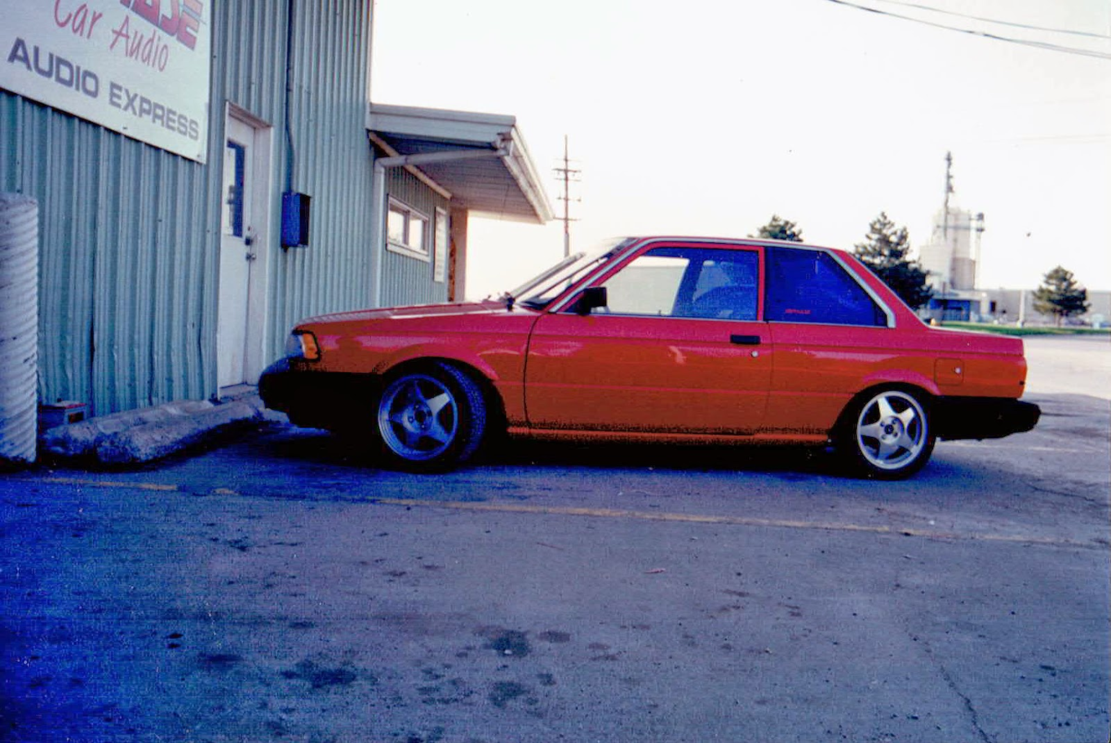 Photo of 1991 Red Nissan Sentra owned by Alberto A Lopez for sound off competitions