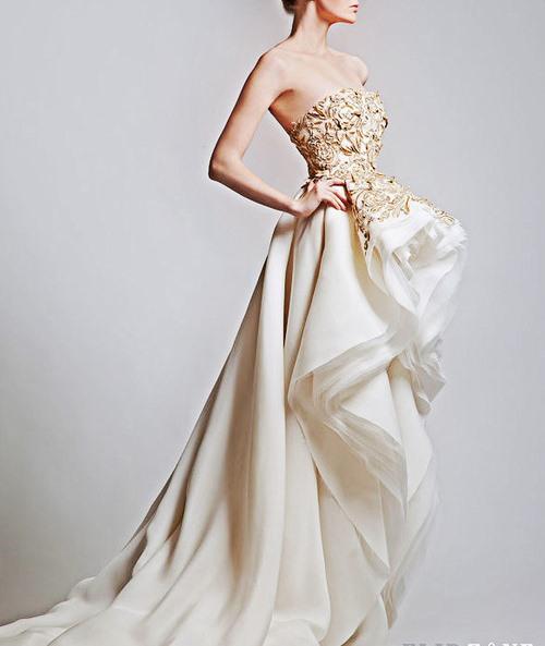 Adorable golden handicraft wedding dress