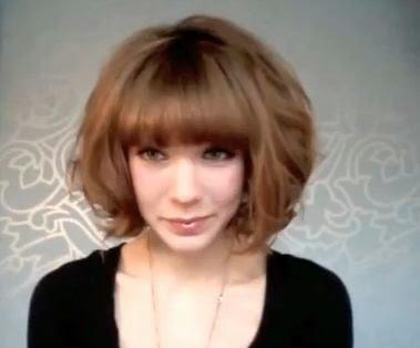 Foto Model  Rambut Ikal Mengembang