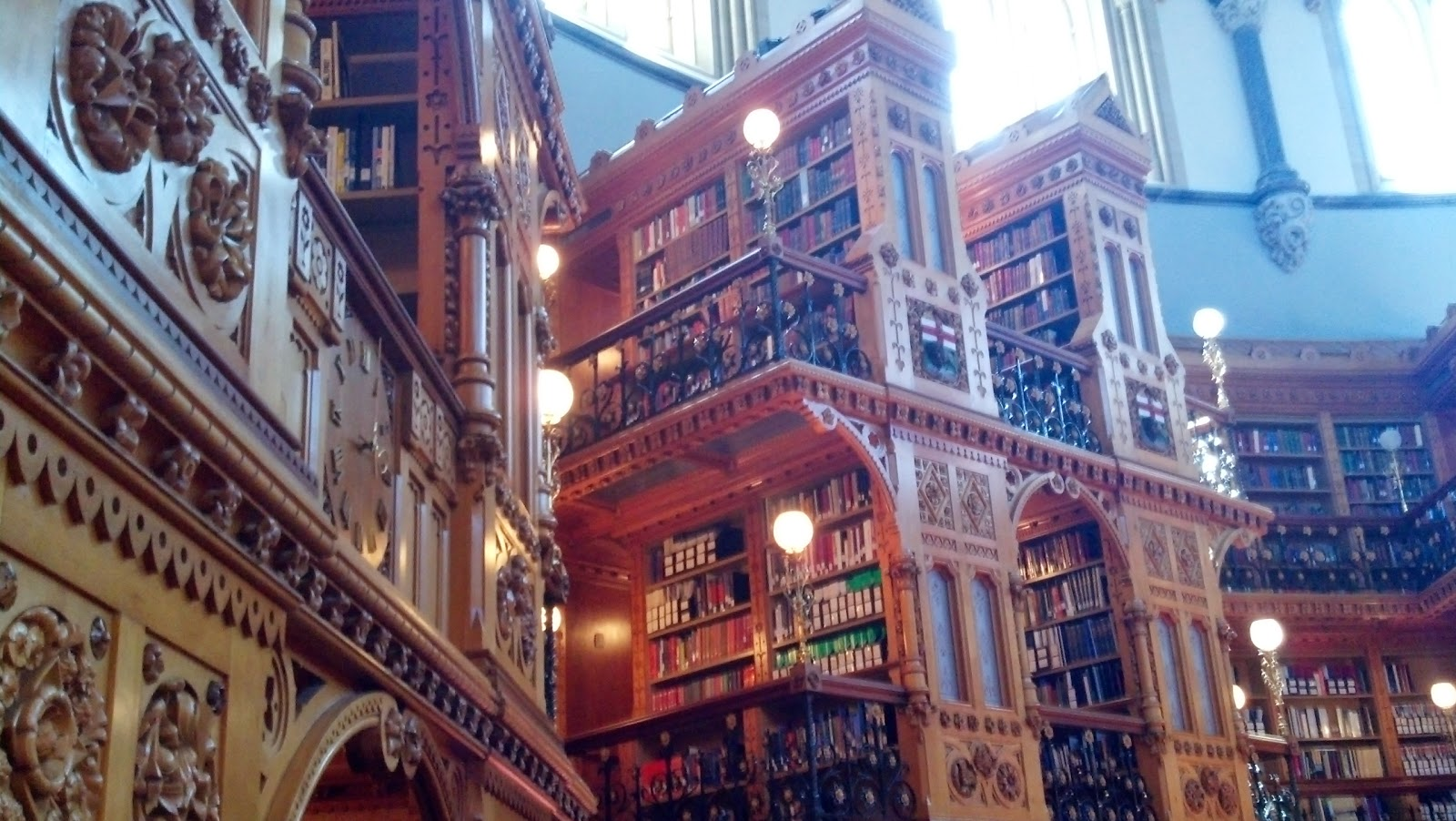 Fantastic Libraries of the World