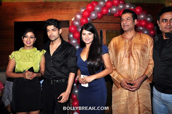 Debina Choudhary, Gurmeet Choudhary, Kratika Sengar, Chetan Pandit, Sumeet Mittal - (10) - TV serial 'Punar Vivah' celebrates successful 100th Episodes
