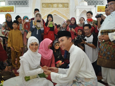 Gambar Majlis Pernikahan Saiful Bukhari & Nik Suryani