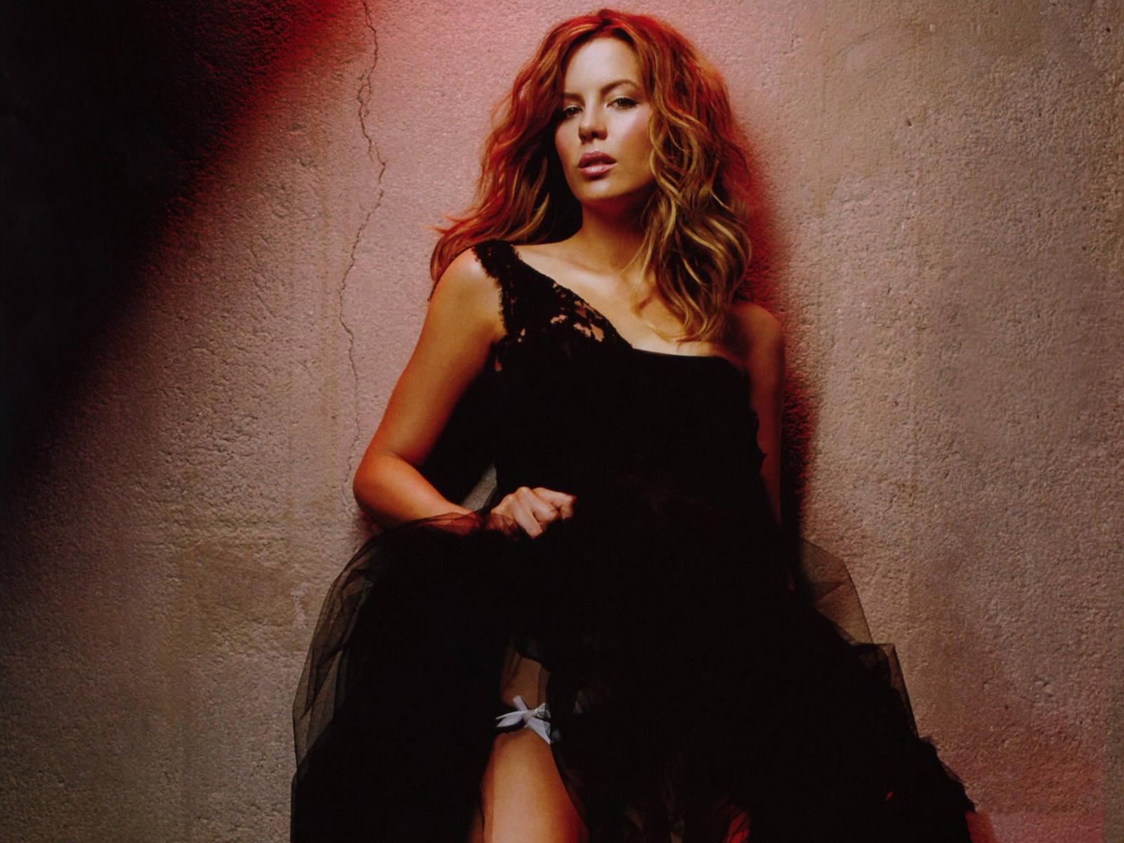 http://3.bp.blogspot.com/-qfQkIfxDz2Q/ULB7c8Tsl7I/AAAAAAAAAlI/YIwvBCBSyLQ/s1600/Kate+Beckinsale+(8).jpg
