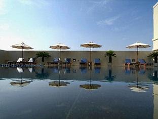 Kolam Renang Aston Braga Bandung Hotel