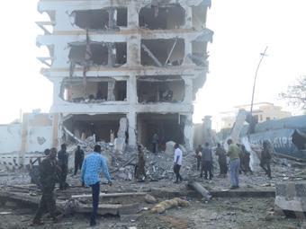 Huge explosion rocks hotel in Somalia,killed at least 6 people