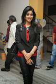 Shriya Sarana Photos at Minugurulu website launch-thumbnail-8