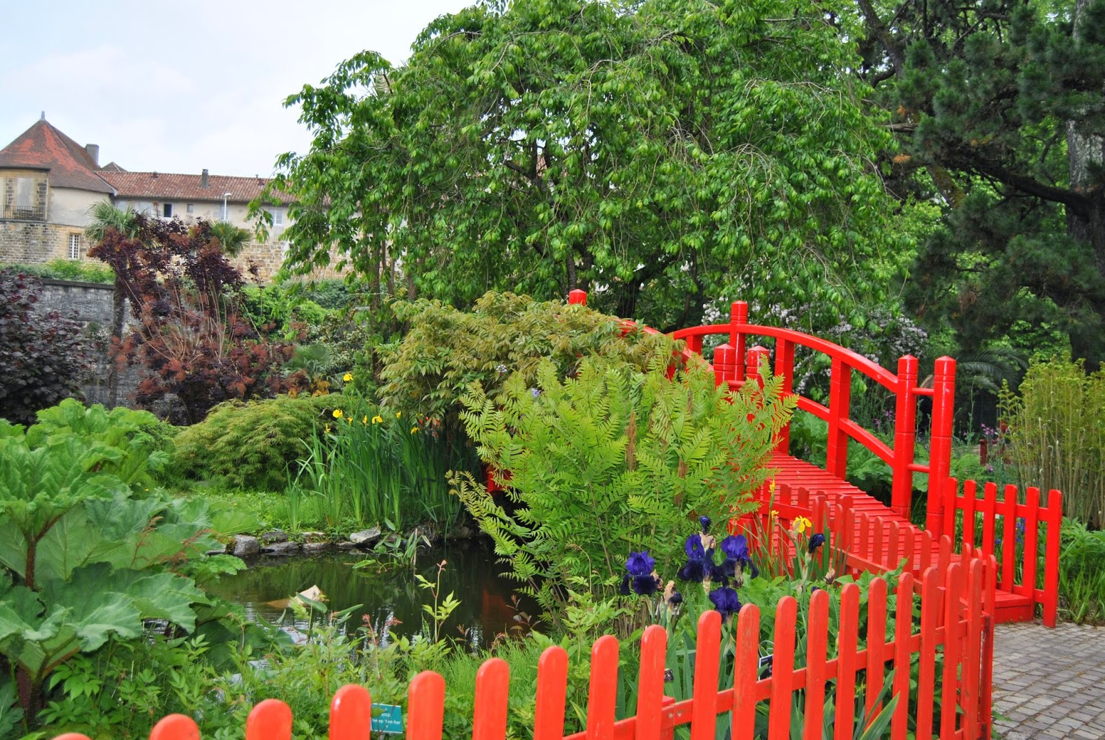 Le journal du cdi for Entretien jardin bayonne