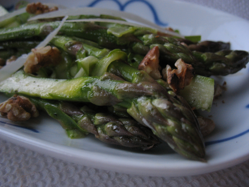 The Hungry Dog: Shaved asparagus salad with walnuts and parmesan