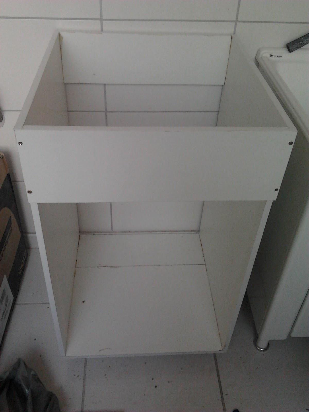 agora o armário do lavatório do banheiro social  #57514E 1200x1600 Armario Vertical Banheiro
