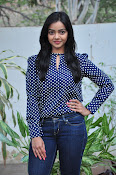 Nithya Shetty dazzling photo shoot-thumbnail-4