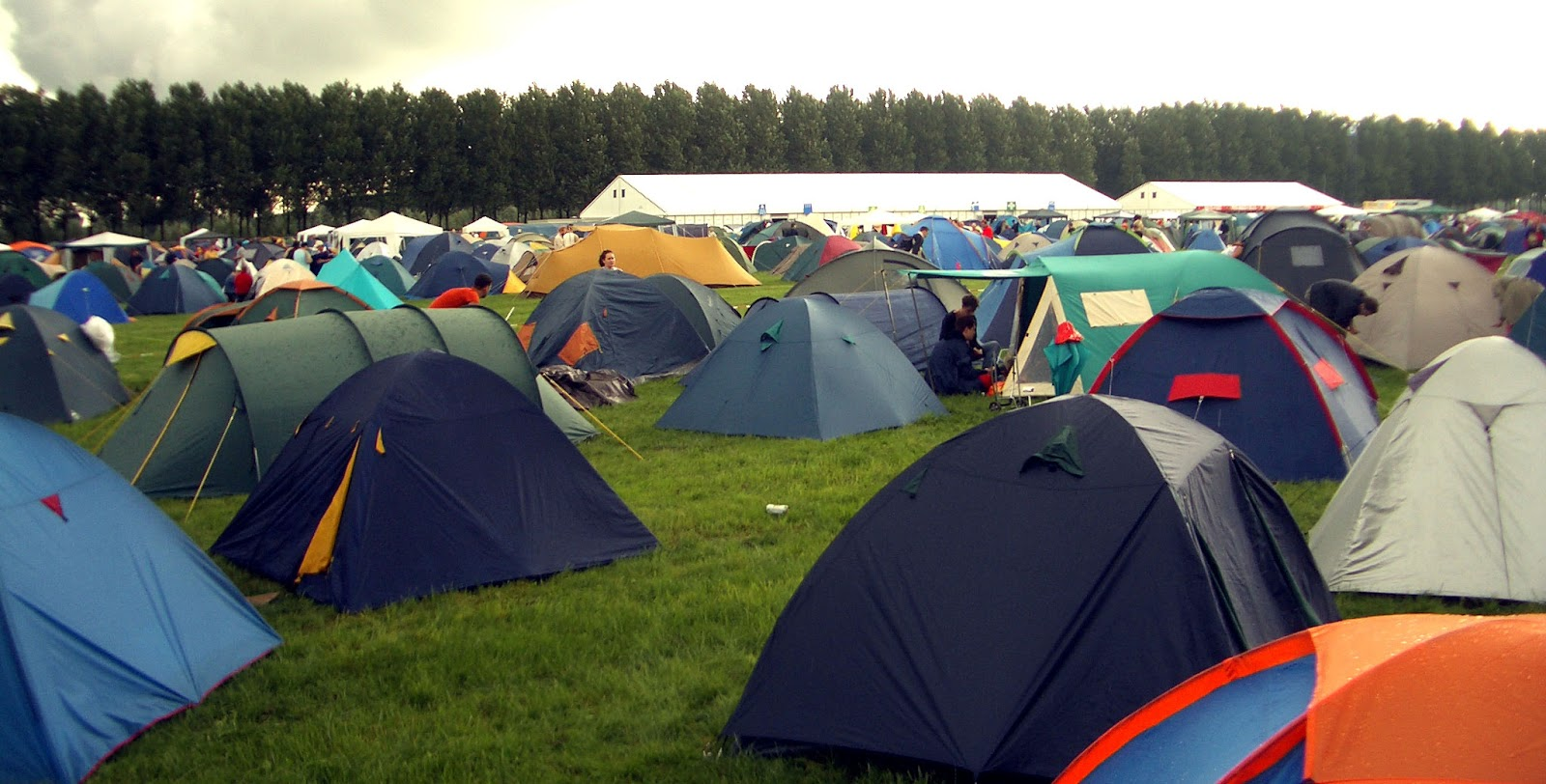 If you want to go on a c&ing trek it is crucial that you pick the tent that best suits your needs. By taking a gander at the crucial differences in pop-up ... & Do Not Forget to Pick the Best Gazebo in Ireland Before Camping ...