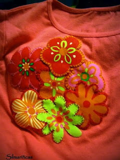 como hacer una camiseta con apliques de flores, ganchillo y lazo-