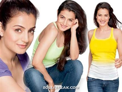 Amisha Patel Gym workout pic -  Ameesha Patel's Fitness gym Photoshoot Pics
