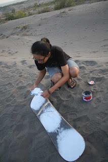 pantai, gumuk pasir parangtritis, pantai parangtritis, sandboard,sandboard di parangtritis,tempat bagus untuk sandboard