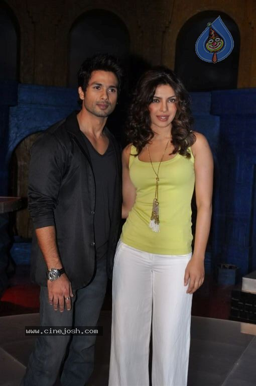 Priyanka Chopra with costar of teri meri prem kahani - shahid kapoor -  Priyanka Chopra Looking Sizzling burning HOT @ teri meri prem kahani