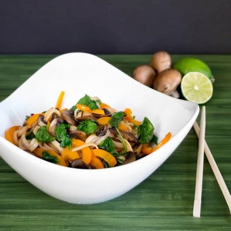 Mì gạo xào ớt chanh Châu Á - món ngon đặc biệt