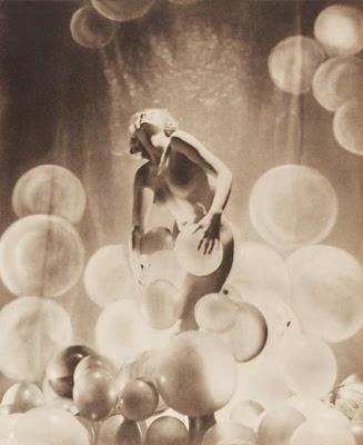 http://visualobscurity.tumblr.com/post/90664695091/john-everard-1936