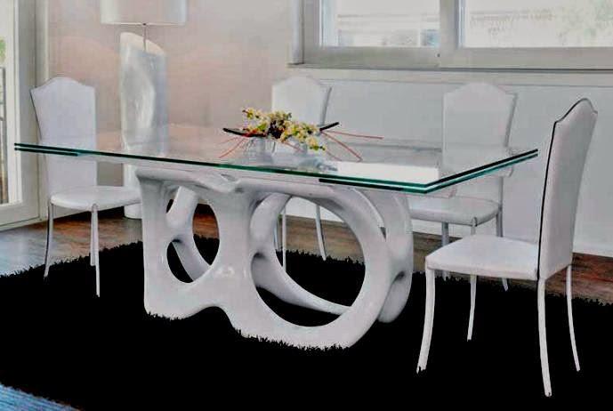 El mundo en femenino mesas m s que especiales for Diseno de mesa de madera con vidrio
