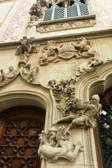 Escultura modernista catalana encenallsdeliteraturaiart - Casa ametller poblenou ...
