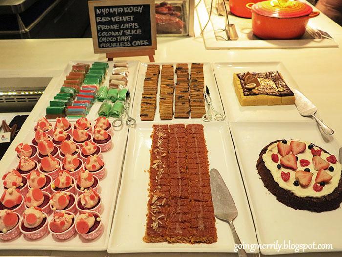 cupcakes desserts buffet