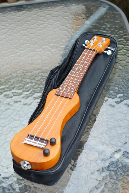 eleuke peanut ukulele