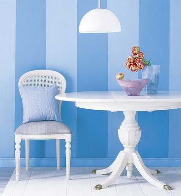 pintura de listras azul claro e escuro