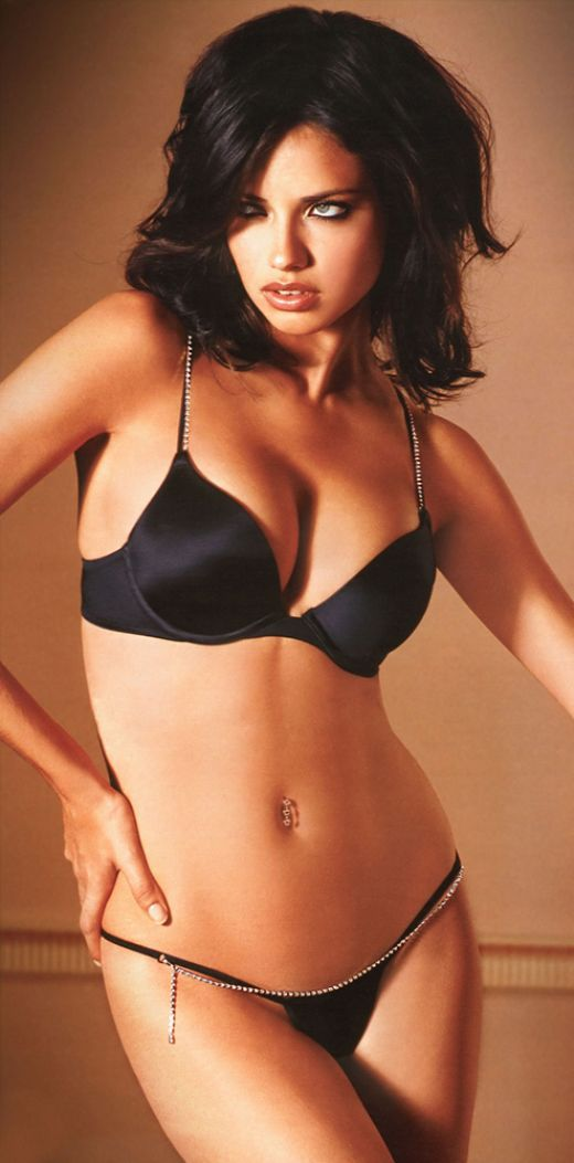 Adriana Lima Hot Bikini Photo