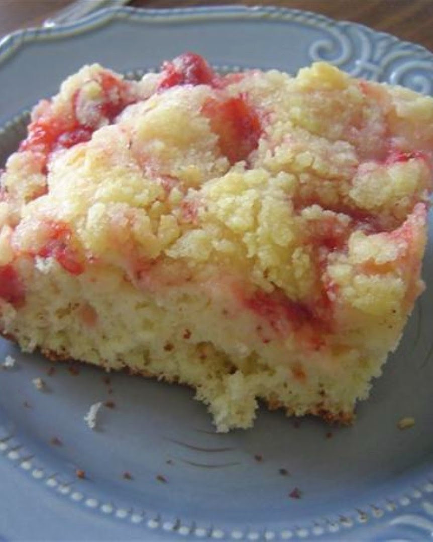 Strawberry Coffee Cake ~ MOMMY KITCHEN BOX