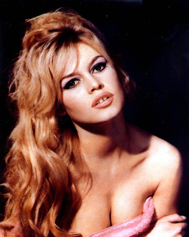 http://3.bp.blogspot.com/-qgxqmreQuVM/Ts6SWJEvsaI/AAAAAAAAAbk/rPfdPr0pvg0/s1600/Brigitte+Bardot.jpg
