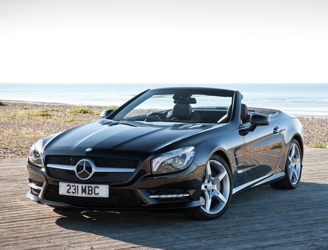 Mercedes benz sports car sports cars for Sporty mercedes benz