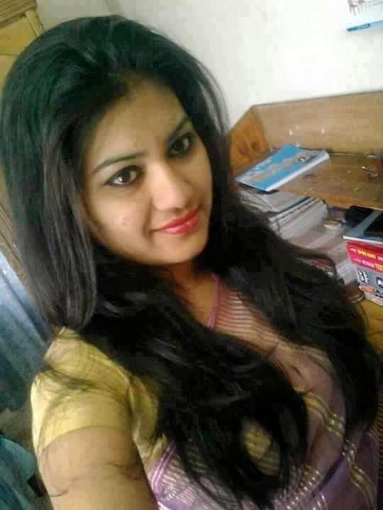Bold+and+Beautiful+Bangladeshi+Girls+Photos004
