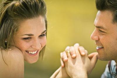 ماذا يحب الرجل في المرأة - كيف تجعلين الرجل الشاب حبيبك يحبك