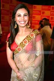 Rani-Mukherjee-in-saree-images-10