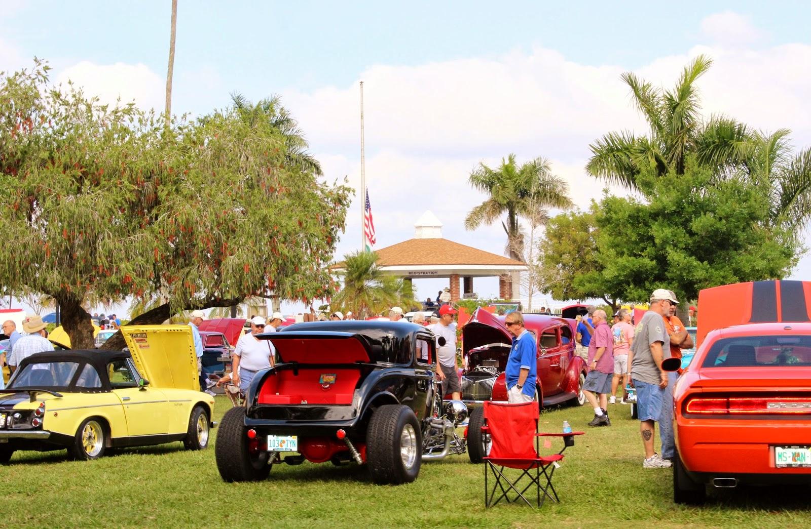 Punta Gorda Florida Daily Photo Vintage Car Show On Charlotte Harbor - Punta gorda car show
