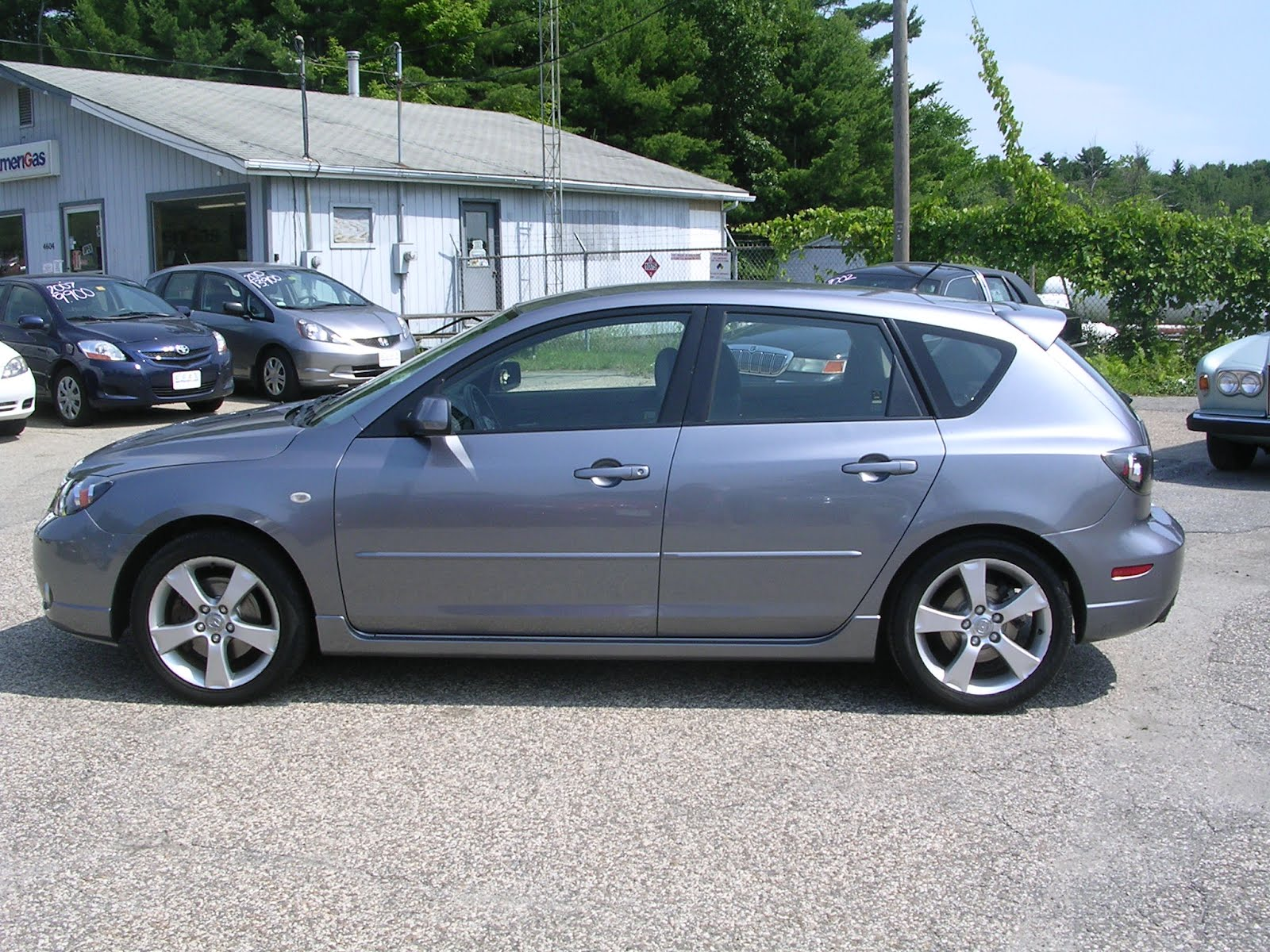 EARTHY CAR OF THE WEEK: 2005 Mazda Mazda3