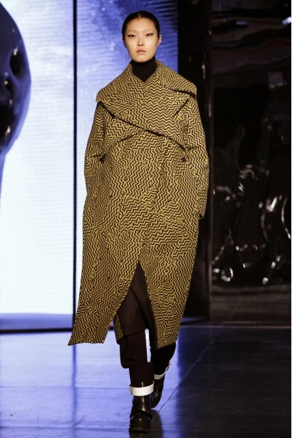 KENZO, Kenzo-Takada, Kenzo-LVMH, Carol-Lim, Humberto-Leon, Kenzo-Fall-Winter, Kenzo-Fall-Winter-2014, Kenzo-Paris, Kenzo-Paris-Fashion-Week, Kenzo-David-lynch, paris-fashion-week, mode-femme, du-dessin-aux-podiums, dudessinauxpodiums, issey-miyake, kenzo-air, kenzo-bebe, flowerbykenzo, style-mode, jungle-kenzo, kenzo-online, chemise-kenzo, summer-by-kenzo, kenzo-clothing, robe-kenzo, blog-mode-femme, kenzo-pour-homme, femme-fashion, fashion-dress, foulard-kenzo